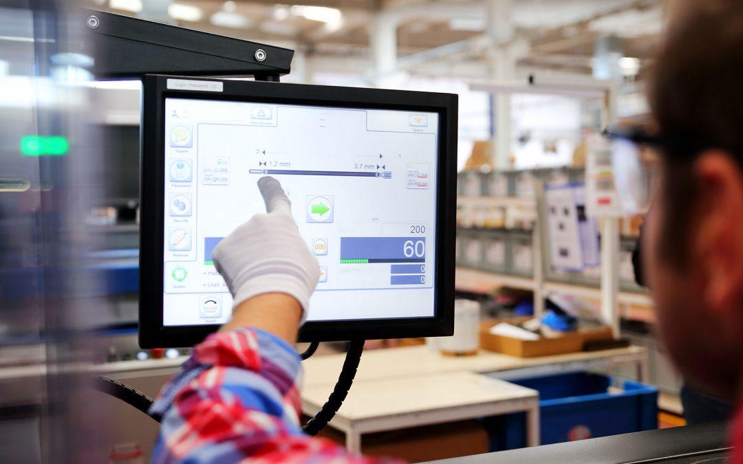 Optimierte Produktionsabläufe  Mehr Transparenz und Produktivität mit intelligenten Web Panels  Projekt anzeigen
